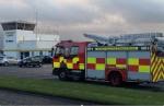 Automezzo dei vigili del fuoco all'esterno del St. Angelo Airport