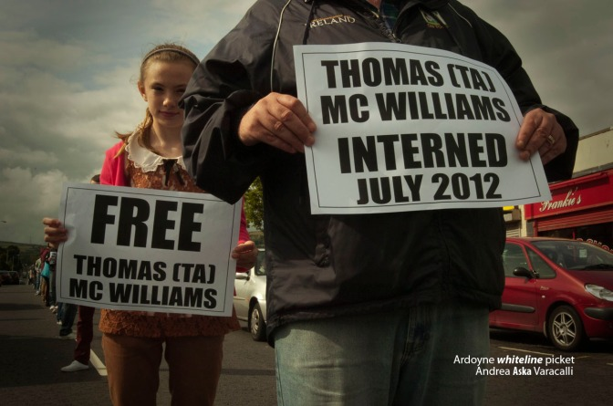 Thomas TA McWilliams whiteline protest, Ardoyne luglio 2012 - Andrea Aska Varacalli