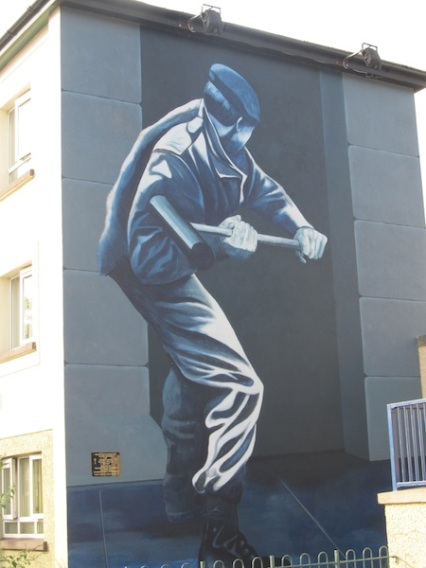 "Derry - ""Operation motorman"" by Bogside Artist"