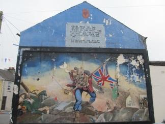 """Derry - """"Iron Maiden"""" Lealista irrompe nel Bogside"""