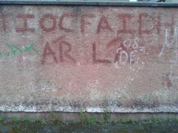 """Derry - """"Il nostro giorno verrà"""" sui muri di Derry"""