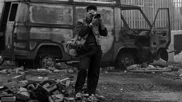 Photographer Martin Nangle a Belfast
