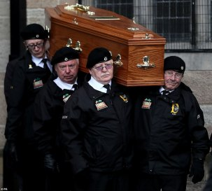 14826428-7144857-The_coffin_of_Billy_McKee_a_veteran_republican_who_opposed_the_p-m-77_1560608095166