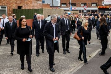 Mary-Lou McDonald Gerry Adams Michelle O'Neill