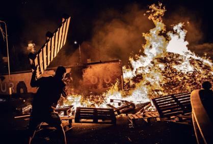 belfast-bonfires-001