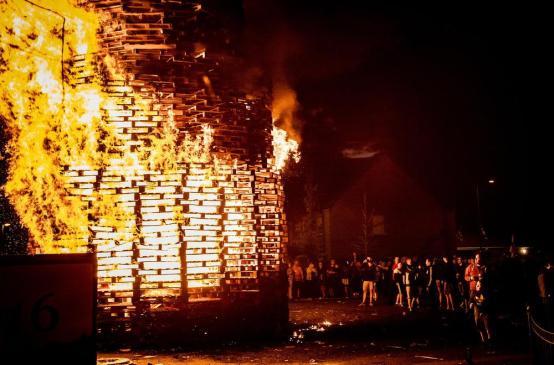 belfast-bonfires-25