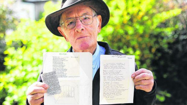 Richard Behal con alcune delle lettere
